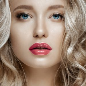 Volbella is anti-age and enhancement for any age, without surgery, for a perfect pout and a great kiss.