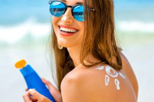 Plastic Surgeon warns of danger of sun on skin. Wear Sunscreen.