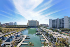 Love at the edge of pristine nature in Sarasota shows you can be urban and beachy at the same time.