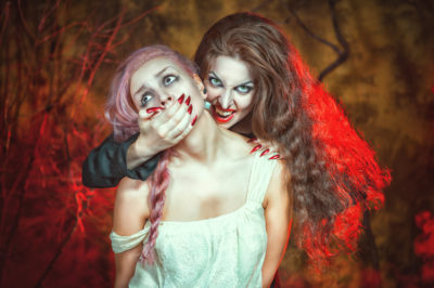 In halloween 2018, be careful that your makeup is safe and healthy.